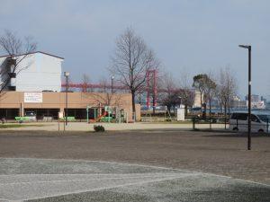 マンション前公園2